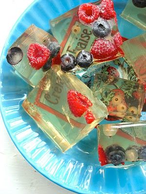 Lovely wine jello shots will be a poolside winner this summer!
