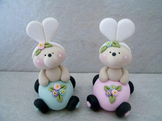 Easter Bear Egg Car Figurine por countrycupboardclay en Etsy