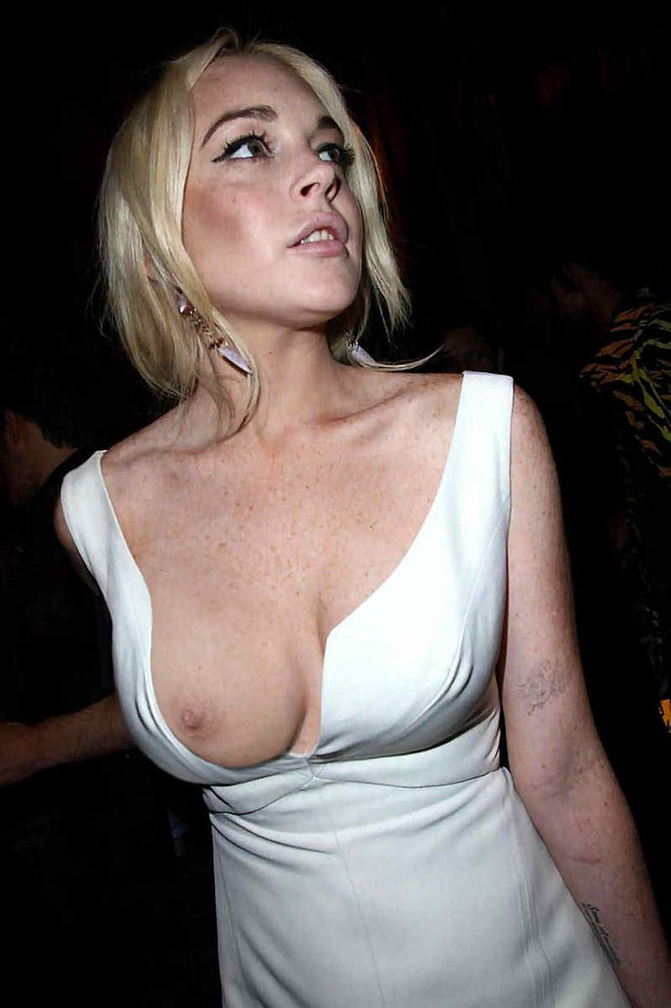 Celebrity nipple slips upskirt exhibe trop