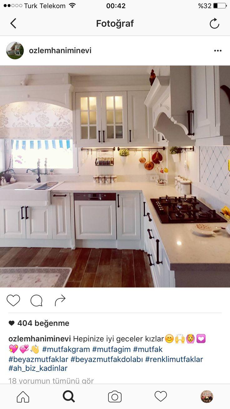 Country Kitchens, White Kitchens, Dream Kitchens, Kitchen Decor, Kitchen  Ideas, Housing