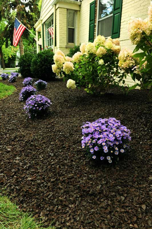 Black Mulch Landscaping | red rubber mulch for residential landscaping cedar red rubber mulch ...