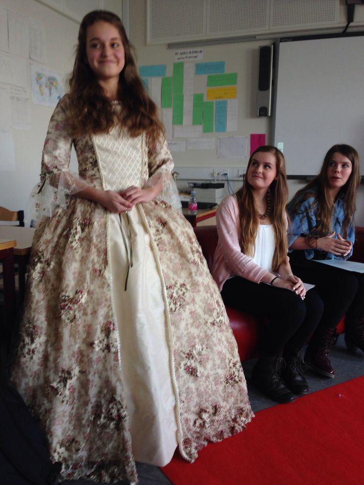 Endnu en kjole