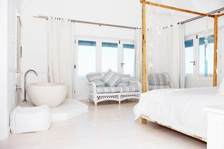 Beter slapen? Hou dan bij het inrichten van je slaapkamer rekening met de Feng Shui filosofie. #slaapkamer #interieur