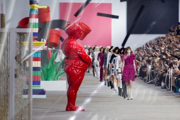 ZABAWKI W WERSJI MAXI. Na co się nadają? Na pokaz mody, dekorację w galerii handlowej.