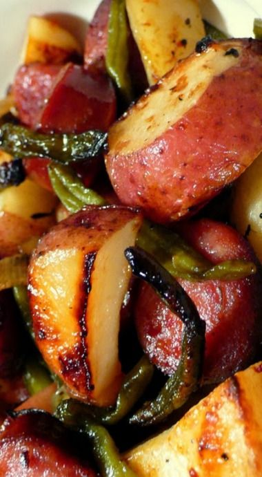 Roasted Potatoes with Smoked Sausage & Green Beans ❊