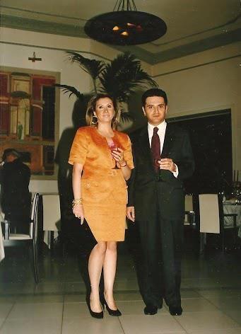 Prof.ssa Maria Rosaria GIORDANO e Prof. Raimondo VILLANO, neo Segretario Rotary Pompei -  Oplonti - Vesuvio Est (Pompei, Ristorante Il Principe, Conviviale di Gala e Festa dello Scambio delle consegne dei Presidenti, 20 giugno 1990).