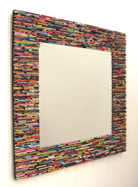lápis de cor colados na moldura wall art- made from recycled magazines