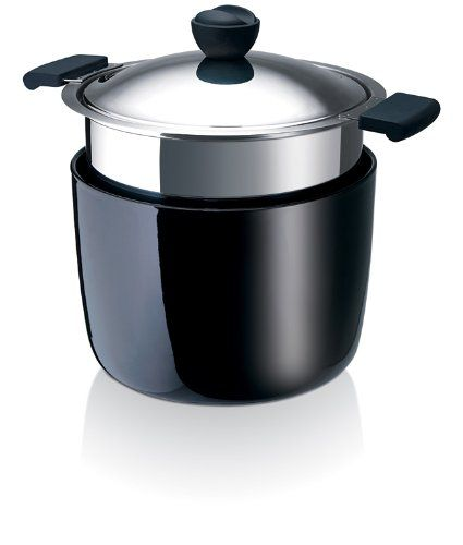 Beka ThermiCo 8-inch casserole with ceramic base for serving while maintaining the temperature      High quality stainless steel casserole; Serving base is ceramic      Features inside capacity marks for easy measuring      Ceramic base not only insulates the contents of your dish, it also serves as a trivet to protect your tabletop      Dishwasher safe