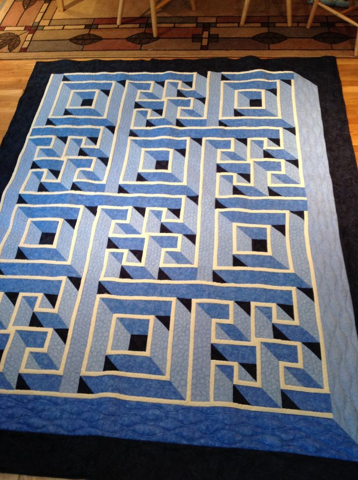 Walking Labyrinth Quilt - an amazing quilt. #quilt #quilts #labyrinth #quilt_for_men
