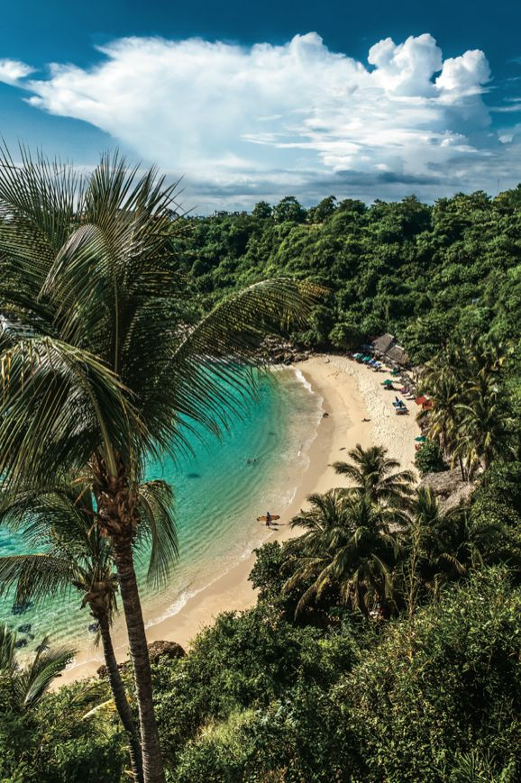 Playa Carrizalillo in Puerto Escondido, #Mexico is a quiet cove accessible via a 150-step stairway. Take a dip, snorkel, then enjoy oysters from a beach shack for lunch.