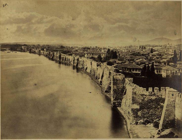 Η Θεσσαλονίκη πίσω απ΄τα παραθαλάσσια τείχη της   Parallaxi Magazine