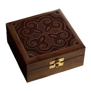 Coffret carré en bois sculpté à la main en Inde - Anniversaire: ShalinCraft: Amazon.fr: Bijoux