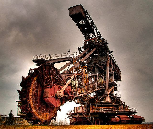 Bucket wheel excavator... Really big digging machine!