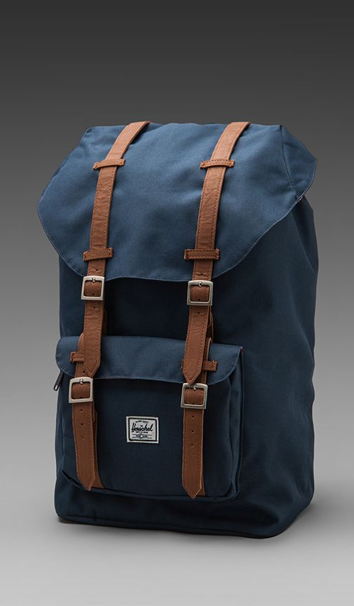 Herschel Supply Co. Sac à dos Little America en Marine | REVOLVE