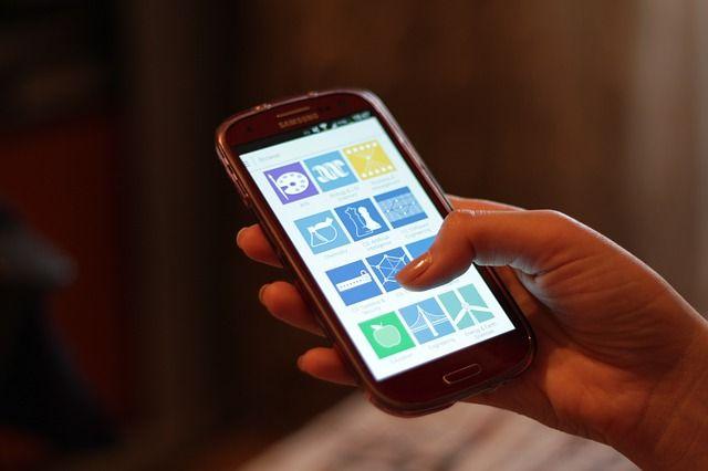 Retrouver un téléphone portable perdu dans la maison en mode silencieux