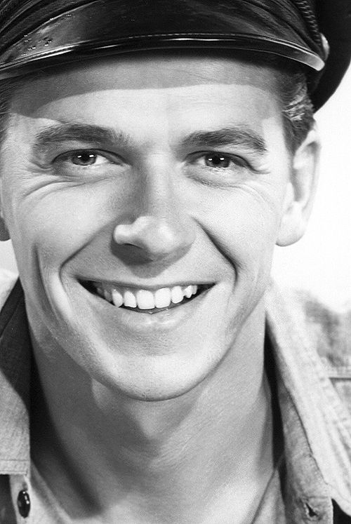Ronald Reagan, 1940 hubba hubba