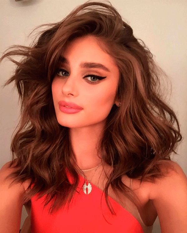 taylor hill bombshell hair