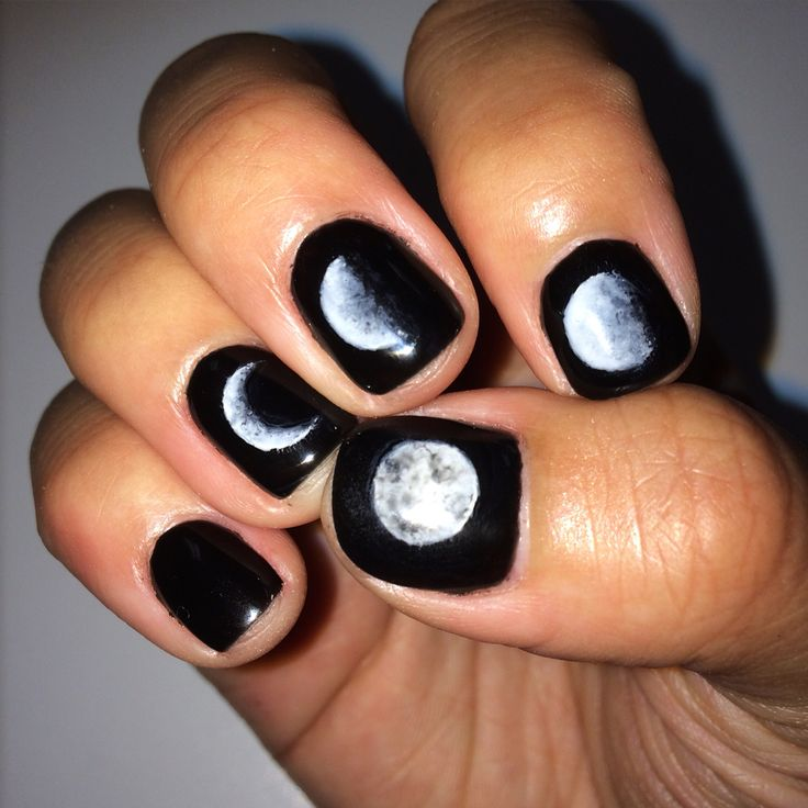 Moon design nails