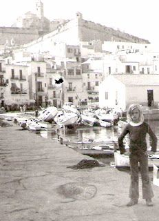 IBIZA TIMES,THE OLD DAYS: PETER KINSLEY AND THE PEOPLE HE KNEW, FOR THOSE WHO LOVE OLD IBIZA OF THE 60's AND 70's Looks like my brother RAF !!!!!