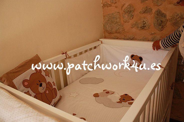 En #Patchwork4U encontrarás todo para tu #bebé.  Y si no lo encuentras pídenoslo y te lo haremos. Siempre como tú quieras. Recuerda que puedes poner el nombre de tu bebé y los dibujitos y colores que más te gusten.  Te esperamos en www.patchwork4u.es
