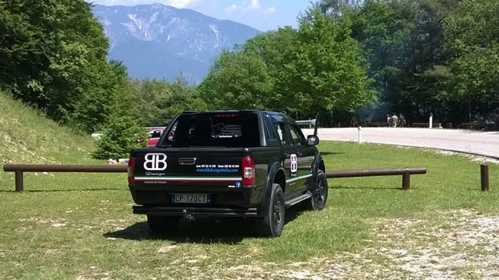 Il D-Max Crew LS 3.0 L della BB Design Italia, una delle aziende che hanno scelto il D-Max per la loro attività a Rovereto (TN) #isuzu #pickup #fuoristrada