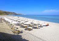 Il #villaggio #Borgodelprincipe direttamente sul #mare e si affaccia sulla splendida spiaggia di Marina di #Zambrone , a pochi chilometri da #tropea. Raccolto ed elegante, l'albergo è impreziosito da un ampio girdino con fiori variopinti e piante esotiche nella sua parte cantrale, mentre un bellissimo viale alberato conduce verso l'azzurro  trasparente del mare di #Calabria  #villaggiincalabria #vacanze #calabria