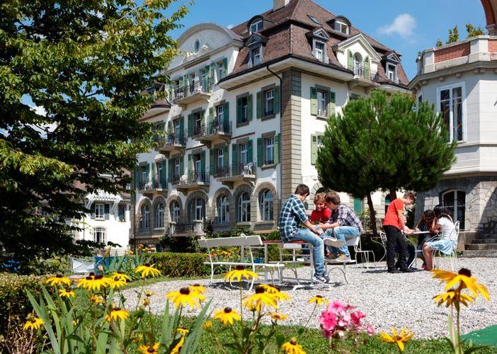 IDEI DE VACANTA - ELVETIA  Tabere Internationale de vara in #Elvetia. http://bit.ly/1Wvfw65 Combina placut cursurile de limba engleza, franceza, germana cu o multitudine de activitati sportive, teatru, arta, dans, fotografie si excursii in frumoasa Elvetie. Alege una din locatiile preferate, #Lausanne, #Lugano, #Verbier, #Leysin, #Villars sur Ollon, #Schwarzsee, descopera piesajele alpine de exceptie si studiaza o limba straina intr-o atmosfera de neuitat!