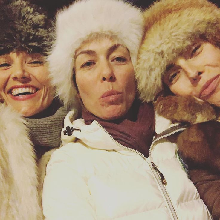 "31 Me gusta, 2 comentarios - Pilar Abella (@pilarabellaofficial) en Instagram: ""From Russia with love...except we are in Abruzzo😂 #capodanno #girls #beingsilly #havingfun…"""