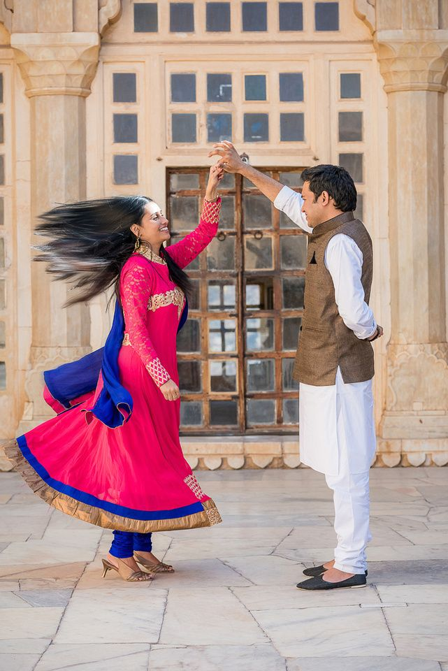 Jaipur-Pre-wedding-shoot A #Brown #Linen #Khaadi #Jacket on a #white #kurta makes one of the best choice for men with any complexion. A Vibrant #pink & #purple combo #anarkali complements the sober combo of the boy perfectly. This combo suits the most for outdoor couple shoots in #traditional attire.