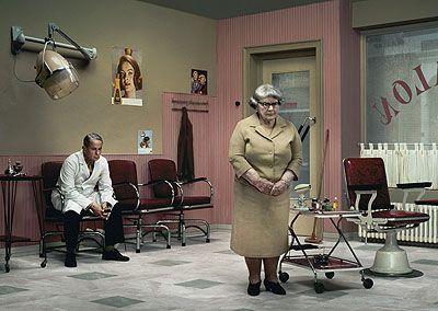 """Erwin Olaf """"Rain - The Hairdresser's"""" (2004). Técnica: - Corriente: hiperrealismo."""
