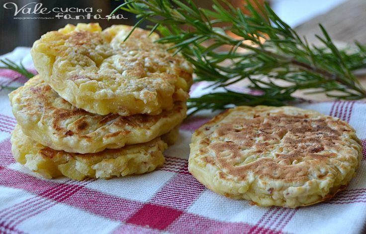 Pancake salati di patate e prosciutto cotto ricetta veloce facili e sfiziosi da preparare, una ricetta economica che piacerà a tutti, grandi e piccini