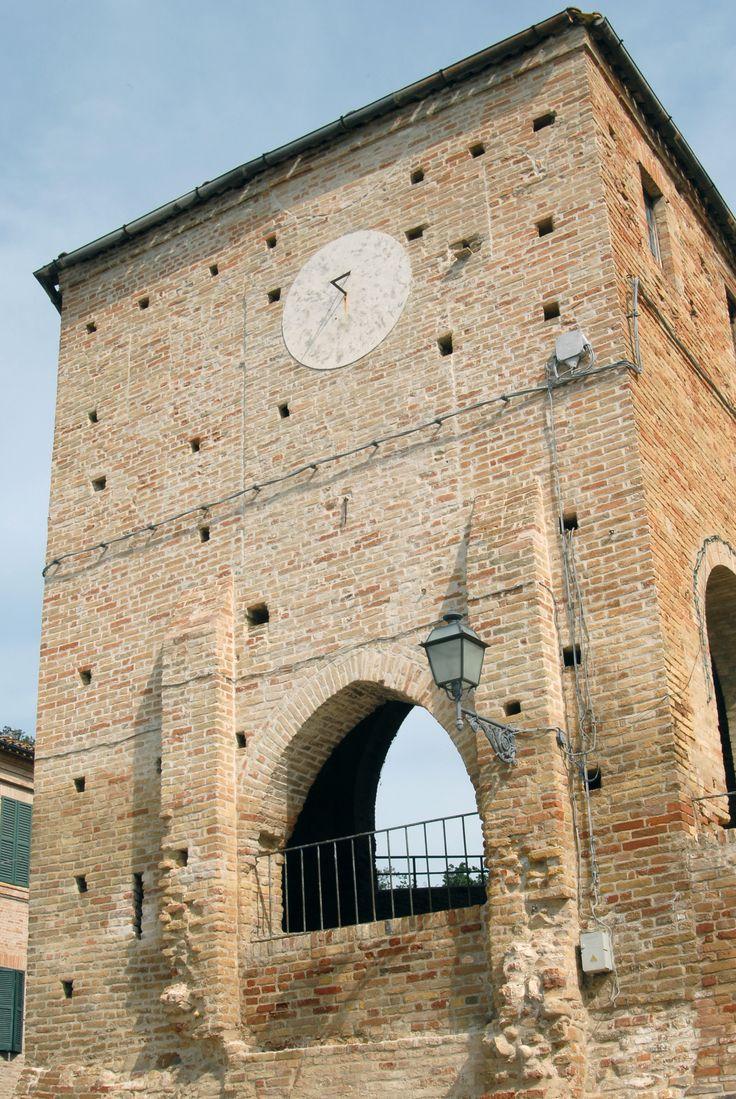 Palazzo Pelagallo torrione d'avvistamento #marcafermana #montevidoncombatte #fermo #marche