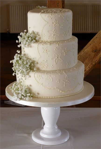 Ivory Royal Iced Lace Wedding cake - Cookie Delicious