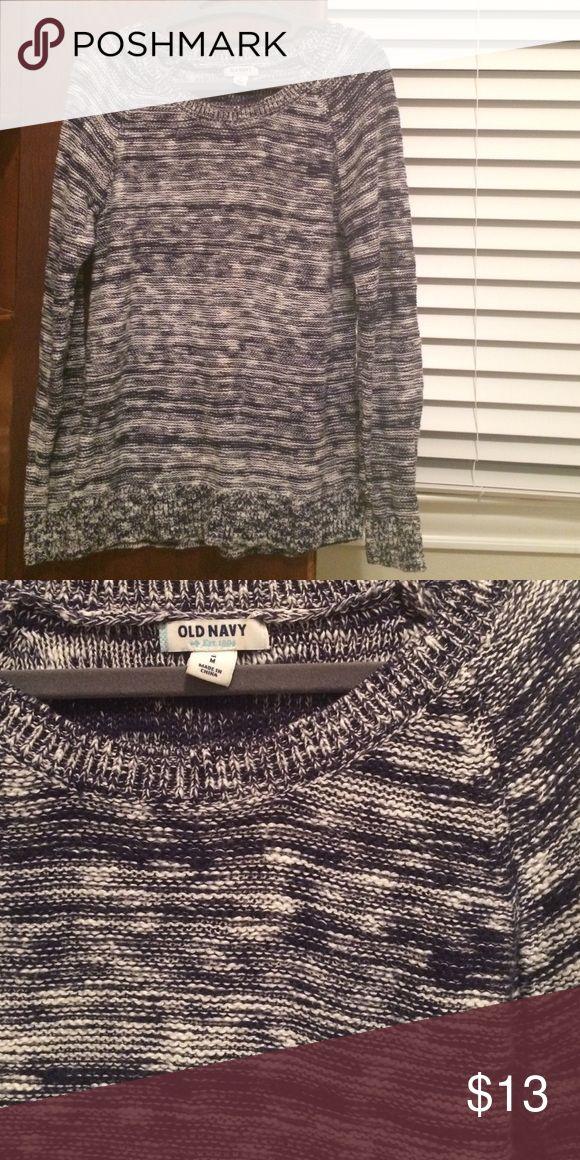 Old Navy sweater Old Navy sweater size medium - Navy & cream scoop neck Old Navy Sweaters Crew & Scoop Necks