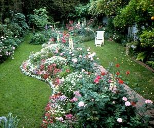Flower island: Gardens Ideas, Flowers Islands, Flowers Gardens, Islands Beds Grass, Gardens Projects, Outdoor Gardens, Gardens Design, Backyard Gardens, Gardens Outdoor