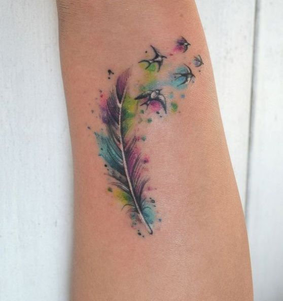 Feathers tattoo with colors - Hermosos tatuajes de plumas con colores
