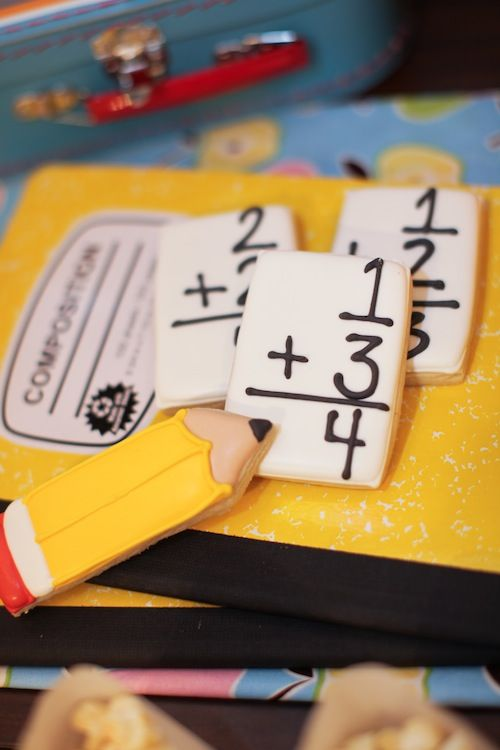 Getting ready for back-to-school? How about some flashcard cookies? #cookies #party