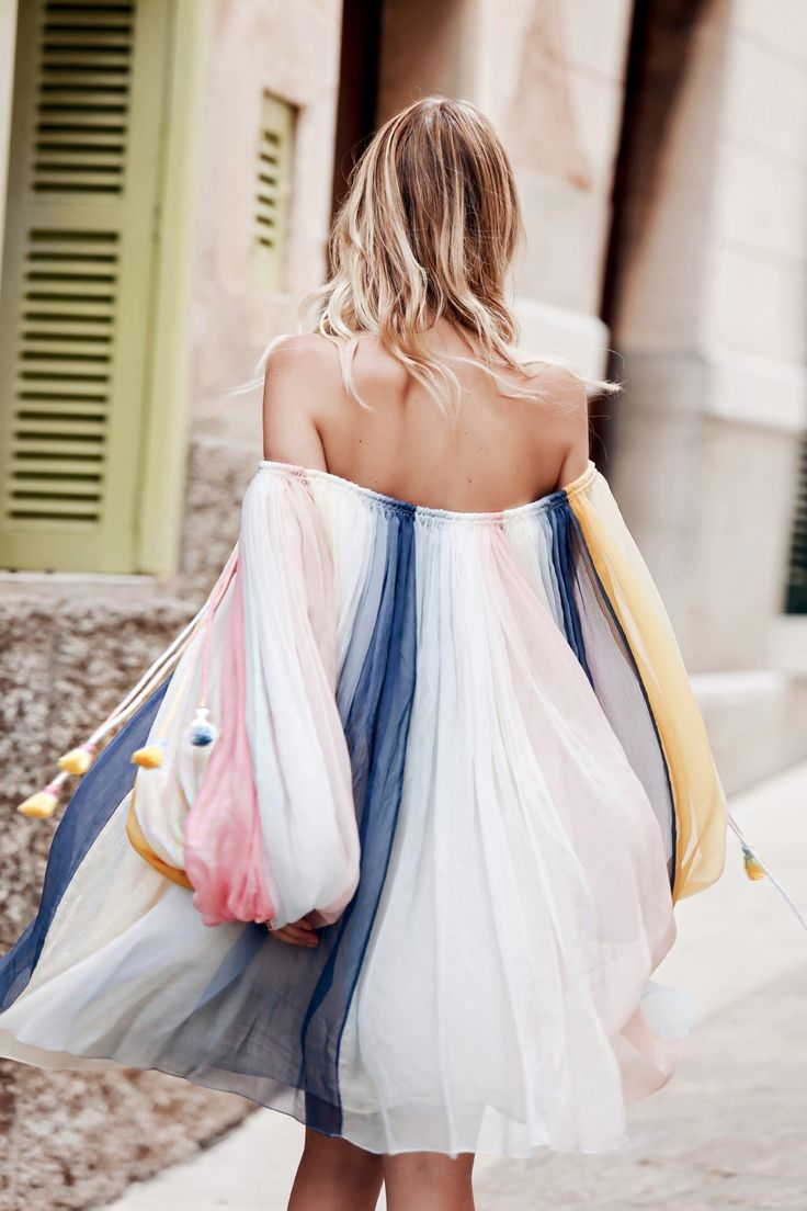 Chloé rainbow dress | ohhcouture.com | Off-Shoulder und Farben - unschlagbare Kombi für den Sommer!