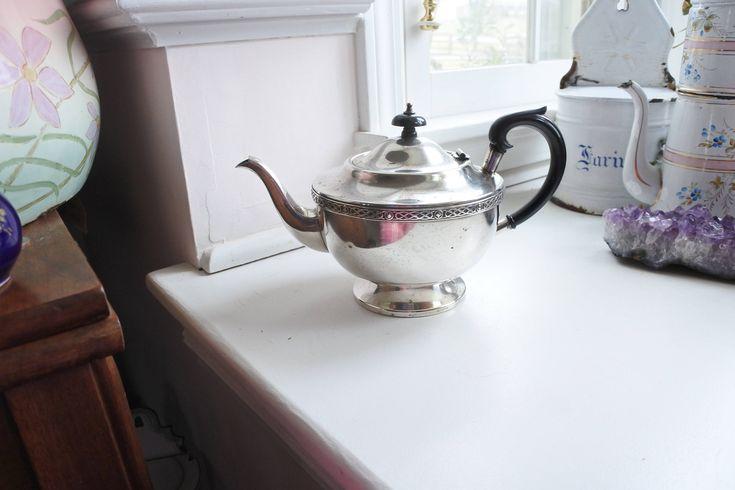 How beautiful is this! #etsy shop: Vintage Sheffield Silver-Plated Teapot from London's Portobello Road, Bakelite Handles, Celtic Decor, EPNS, Hotelware, Tea service http://etsy.me/2DmxhPo #housewares #silver #anniversary #valentinesday #black #teap