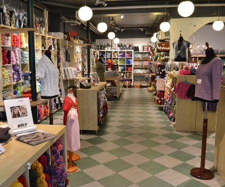 Garniture - Stor garnbutikk i Østergade 6, 5500 Middelfart Tlf: 64 41 20 08  Velkommen indenfor