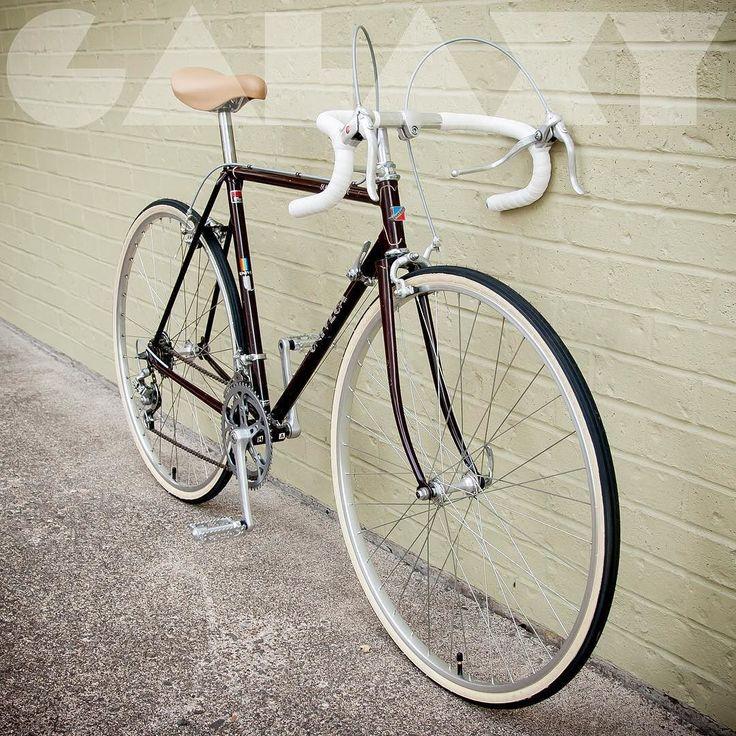 1984 univega 53cm road bike fits 5 39 6 to 5 39 8. Black Bedroom Furniture Sets. Home Design Ideas