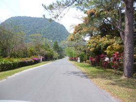 """El Valle de Anton is a place with favorable weather that allows you to go for a walk, enjoy gardens and have """"al fresco"""" dinners with friends and families. - See more at: http://bestplacesintheworldtoretire.com/questions-and-answers/895-how-s-the-weather-in-el-valle-de-anton-panama-what-s-the-average-temperature-in-el-valle-de-anton-panama#sthash.8pLbeba7.dpuf"""