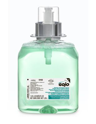 Sapun spuma Gojo pentru par si corp GJ-5163-03-EEU00 Calitate superioara pentru spalarea corpului, cu aroma de castravete si pepene galben. Ajuta la blocarea germenilor.