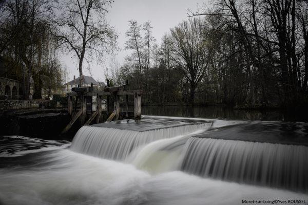 La cascade de Moret-sur-Loing: photo prise avec filtre Hoya ND 400.