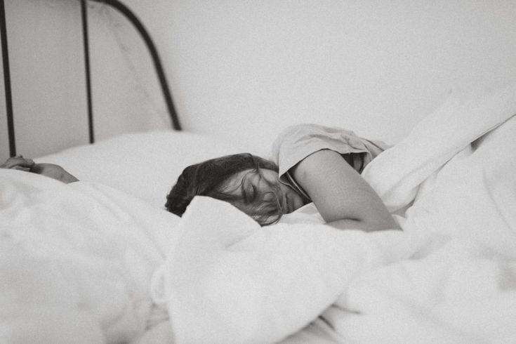 Diät und Schlaf – Wie Diäten und Essen den Schlaf beeinflussen können