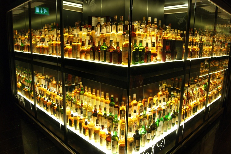 En Escocia, hay que beber como los Escoceses, ... distilería en Edimburgo
