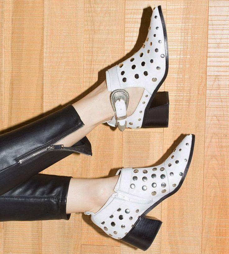 """VICSON (@vicson) en Instagram: """"Friday Night > Rock Your Boots ✨ Conseguilas sin moverte de tu casa > www.vicson.com.ar 🛍"""""""