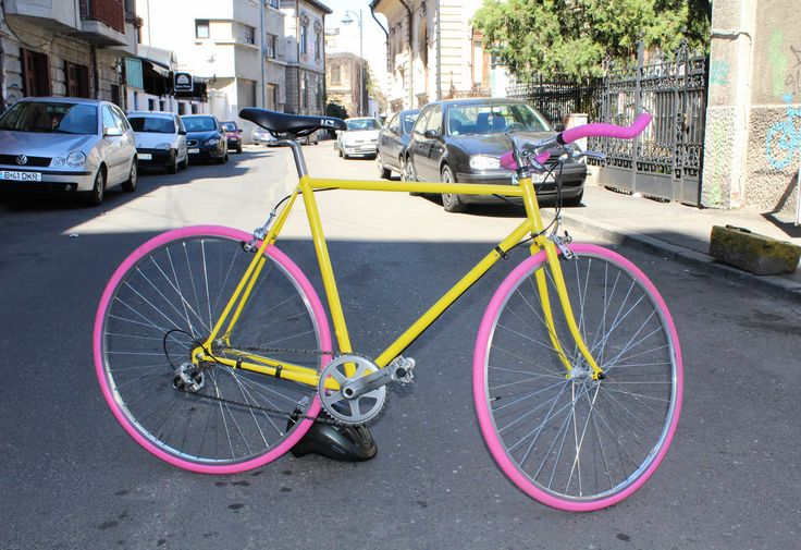 Is the most summerish bicycle we've made. Our mission is to put some colour in the cities with colourful bicycles.  *Aceasta bicicleta inspira prospetime si veselie prin fiecare spita.