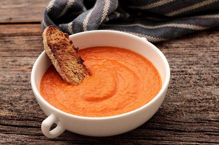 Sopa de tomates assados - Fácil e saborosa