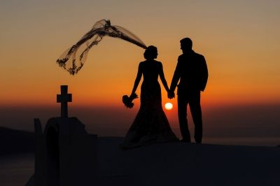 Sunset Lovers! Photo from real destination wedding in Santorini, Greece by Phosart photography and Cinematography See more http://photographergreece.com/en/photography/inspiration/871-favorites